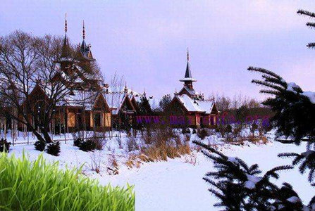 哈尔滨、漠河、龙江第一湾、乌苏里浅滩、北红村、鄂温克使鹿部落、圣诞树北极之光6日游