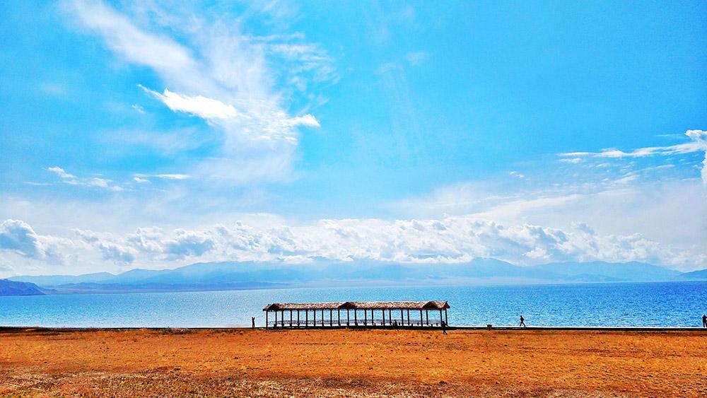 新疆克拉玛依、赛里木湖、吐鲁番、库木塔格沙漠双飞八天游