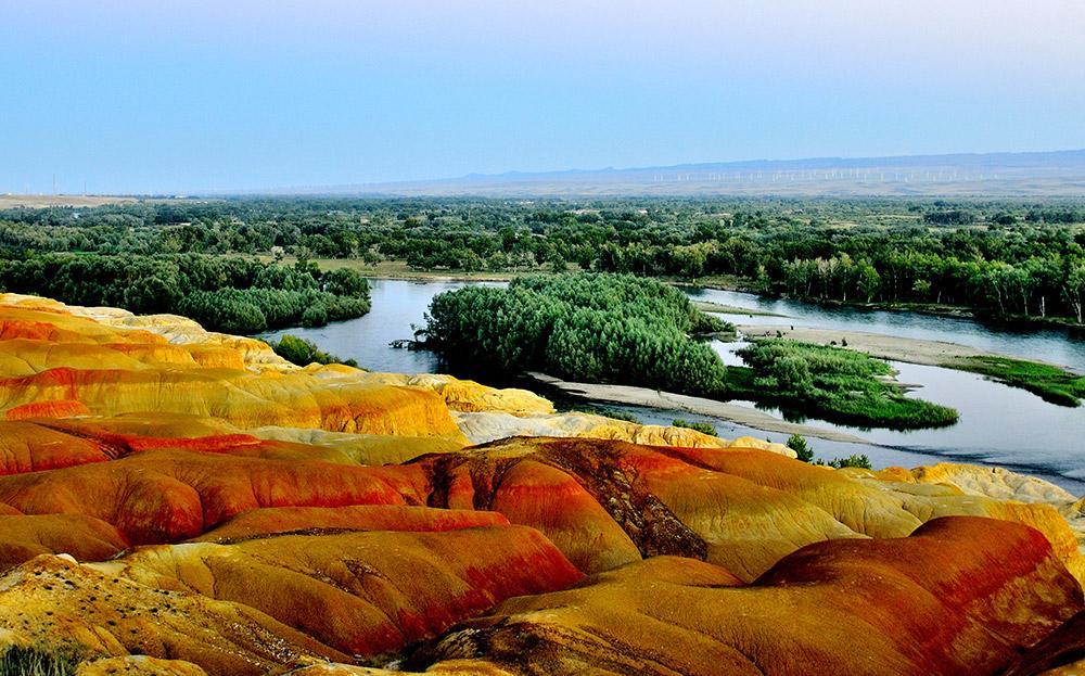 新疆、克拉玛依魔鬼城、喀纳斯湖、禾木村、五彩滩、天山天池、火洲吐鲁番、新疆谷生态园双飞8日